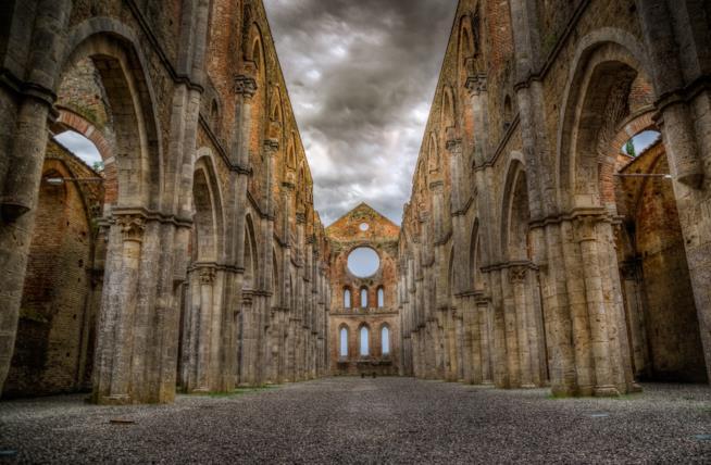 L'architettura gotico-cistercense dell'Abbazia di San Galgano