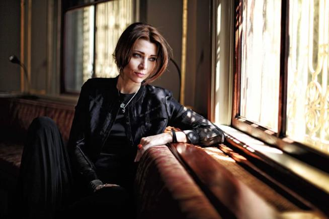 Elif Shafak è una famosa scrittrice turca