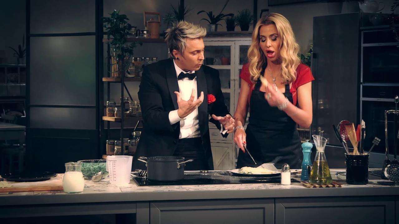 Le prime fasi di preparazione del piatto insieme ad Andrea