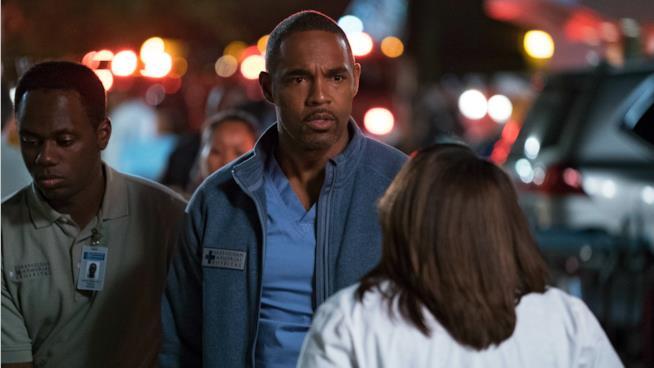 Jason George in una scena di Grey's Anatomy 13