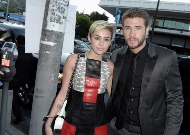 Miley Cyrus e Liam Hemsworth di nuovo insieme a un evento