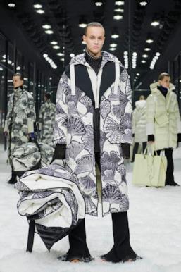 Sfilata MONCLER Collezione Donna Autunno Inverno 19/20 Milano - 35