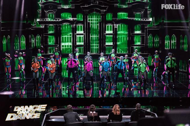 Esibizione delle quattro coppie insieme nel settimo serale di Dance Dance Dance 2