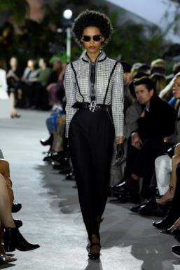 Sfilata LOUIS VUITTON Collezione Donna Primavera Estate 2020 New York - Vuitton Resort PO RS20 0040