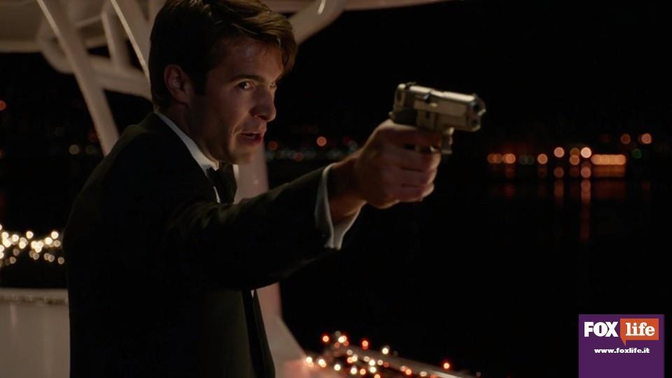 Le cose belle durano poco, e Daniel spara ad Emily dopo aver scoperto la farsa.