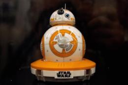 Il droide rotondo BB-8 di Star Wars realizzato da Sphero