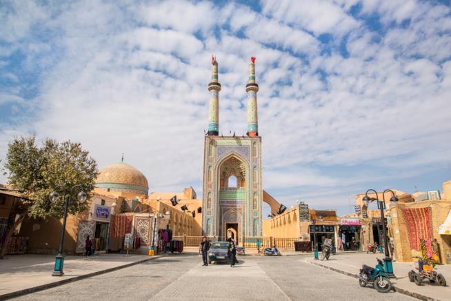 Ingresso della moschea del Venerdì a Yazd