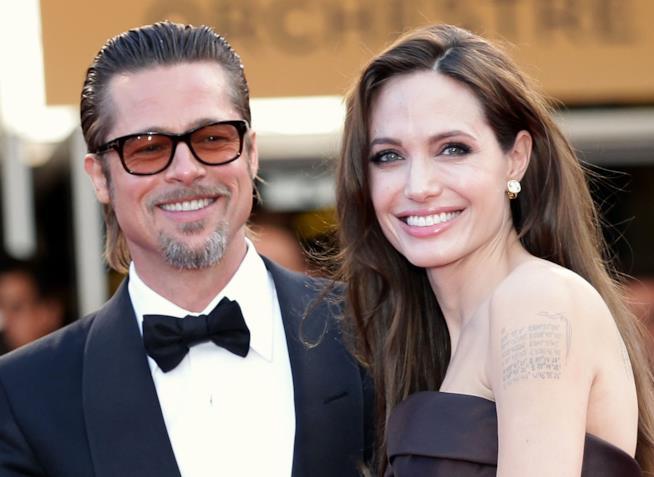 La mamma di Brad Pitt è furiosa contro Angelina Jolie