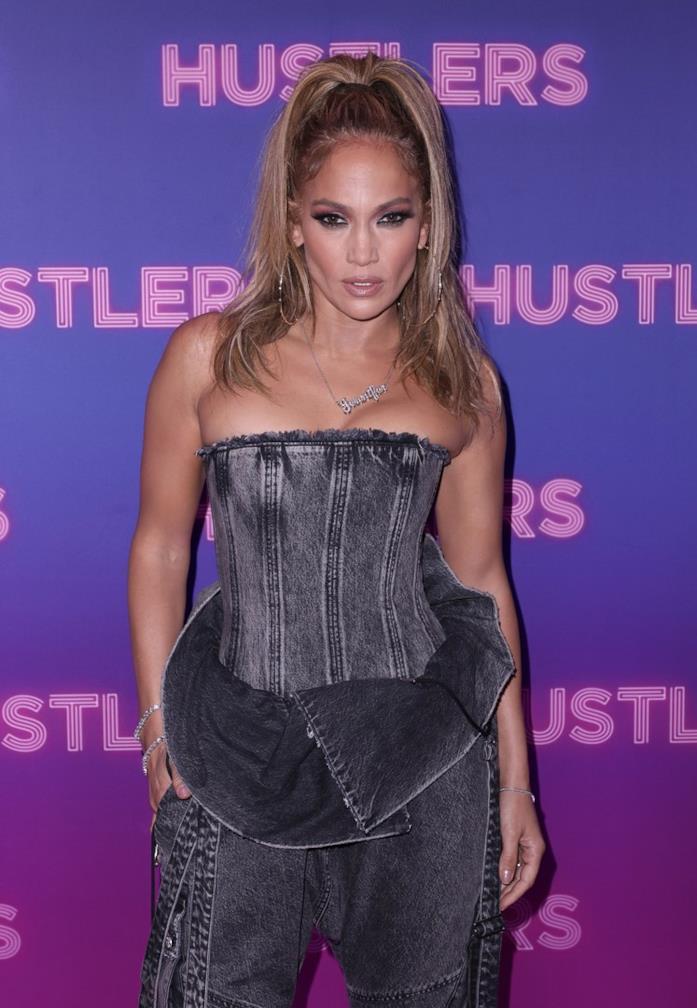 Mezzobusto Jennifer Lopez