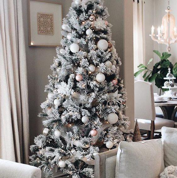 Albero di Natale innevato artificiale
