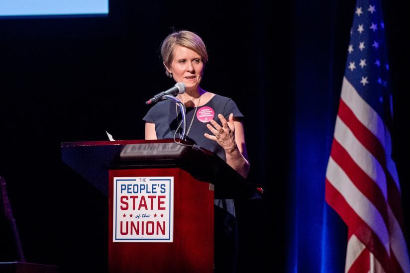 Cynthia Nixon a un comizio politico