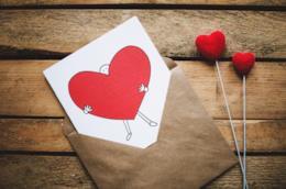 Tante idee per dei biglietti di San Valentino super-belli e consigli per realizzarli