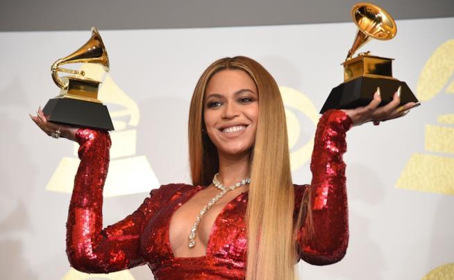 La cantante Beyoncé agli Emmy