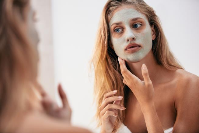 Maschera per il viso per la pelle secca