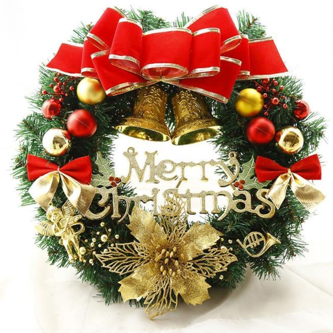 Ghirlanda con al centro la scritta Merry Christmas