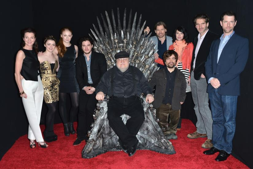 George R.R. Martin e il cast di Game of Thrones