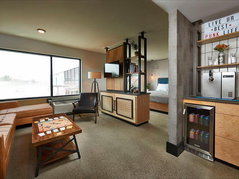 DogHouse Hotel & Brewery - una delle stanze