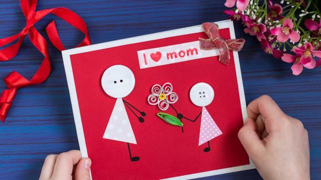 Lavoretti per la festa della mamma fai da te originali e simpatici