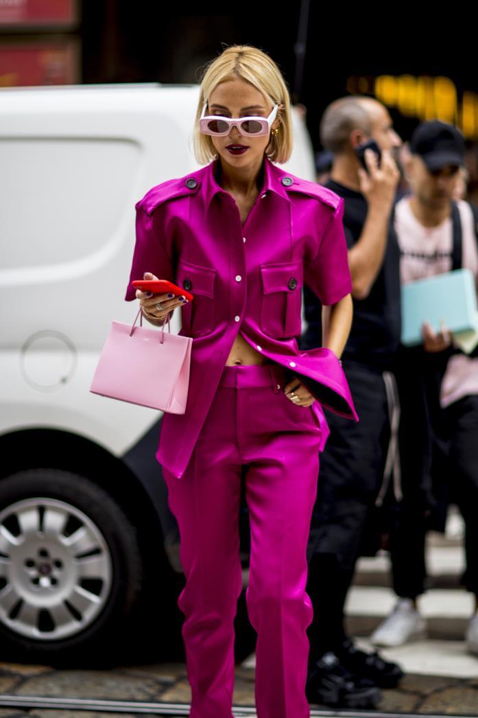 Outfit fucsia dallo Street Style di Milano 2019