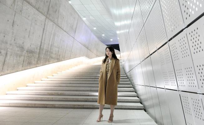 Yiyun Kang indossa un cappotto di Max Mara