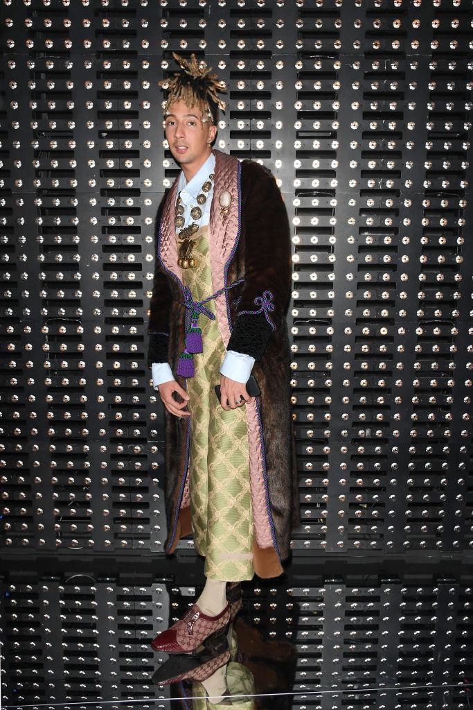 Il cantante Ghali da Gucci