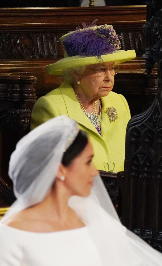 La Regina Elisabetta durante le nozze di Harry e Meghan