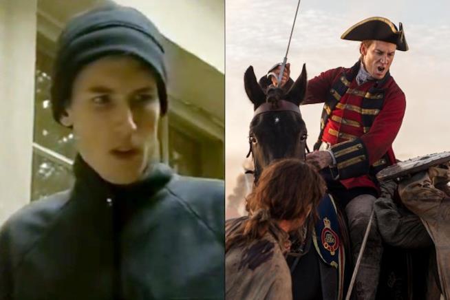 Tobias Menzies in tunica e in divisa da soldato inglese
