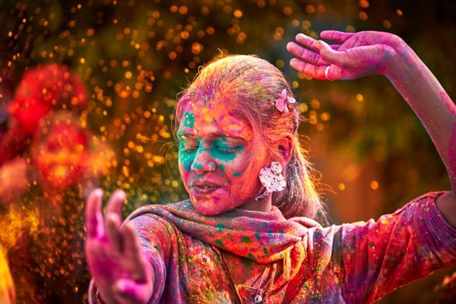 Ragazza indiana danza