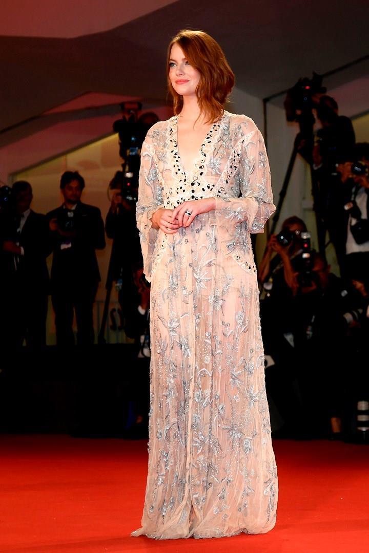 Emma Stone in abito Lungo a Venezia 75