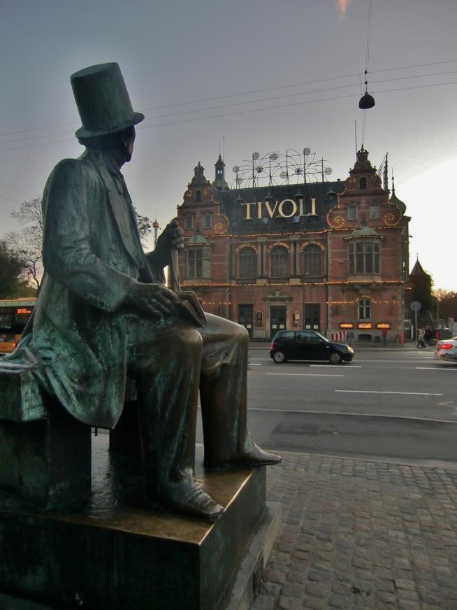 L'ingresso di Tivoli, a Copenaghen