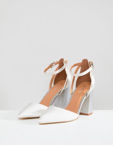 Scarpe avorio in raso con tacco