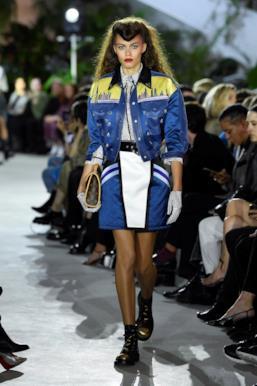 Sfilata LOUIS VUITTON Collezione Donna Primavera Estate 2020 New York - Vuitton Resort PO RS20 0013