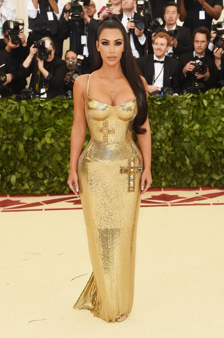 Una sensuale Kim Kardashian ospite del Met Gala 2018