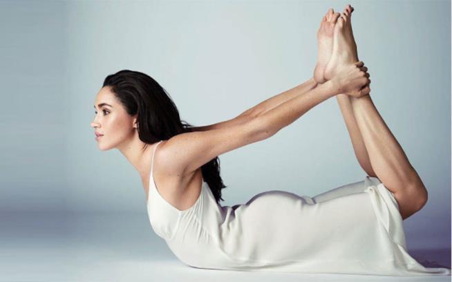 Gli esercizi di yoga come Meghan Markle
