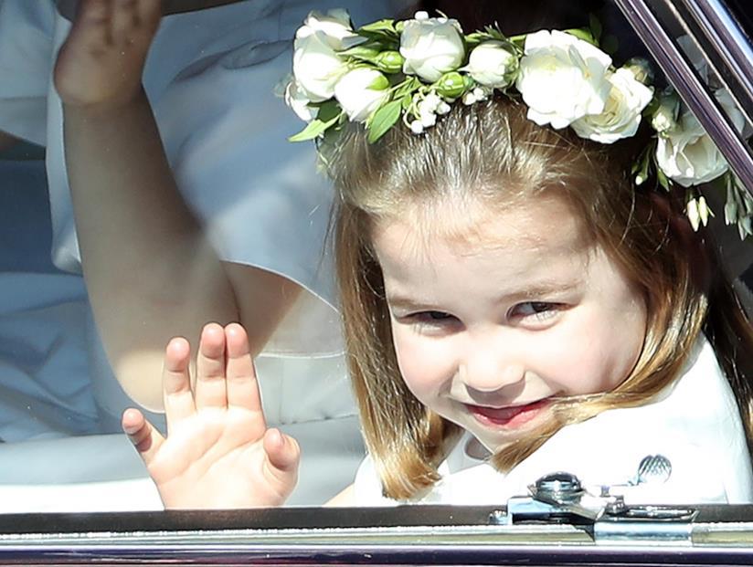 La Principessa Charlotte saluta il popolo