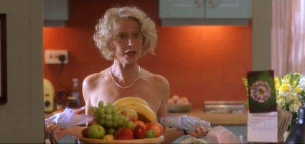 Una scena dal film Calendar Girls con Helen Mirren