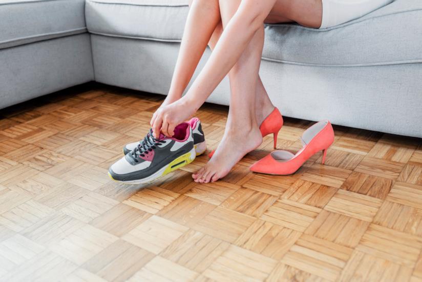 Yumi Ishikawa lancia una petizione per il diritto di utilizzare scarpe basse sul lavoro