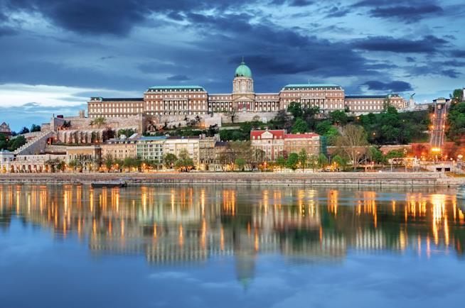 Castello di Buda a Budapest di sera