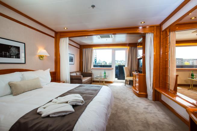 Una delle stanze del Sunborn London Yacht Hotel