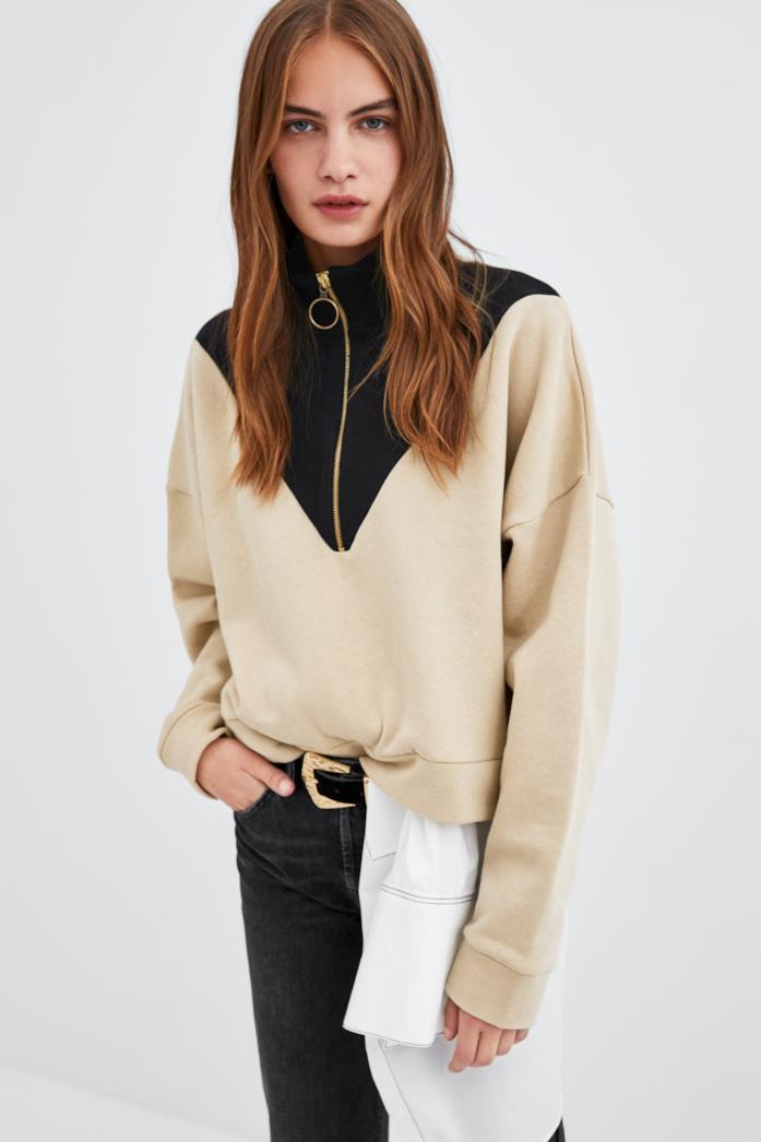 Felpa Zara con collo alto e maniche lunghe color nero ed écru
