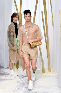 Sfilata FENG CHEN WANG Collezione Uomo Primavera Estate 2020 Londra - CSC_2657