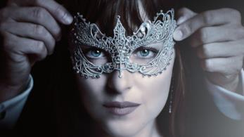 La maschera sensuale indossata da Dakota Johnson nel film Cinquanta Sfumature di Nero