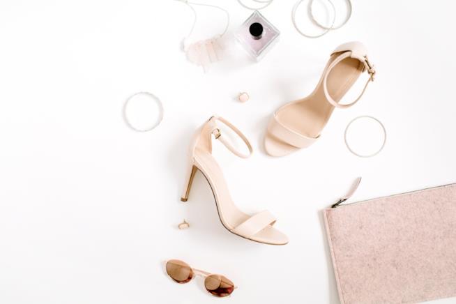 Sandali da donna con tacco medio