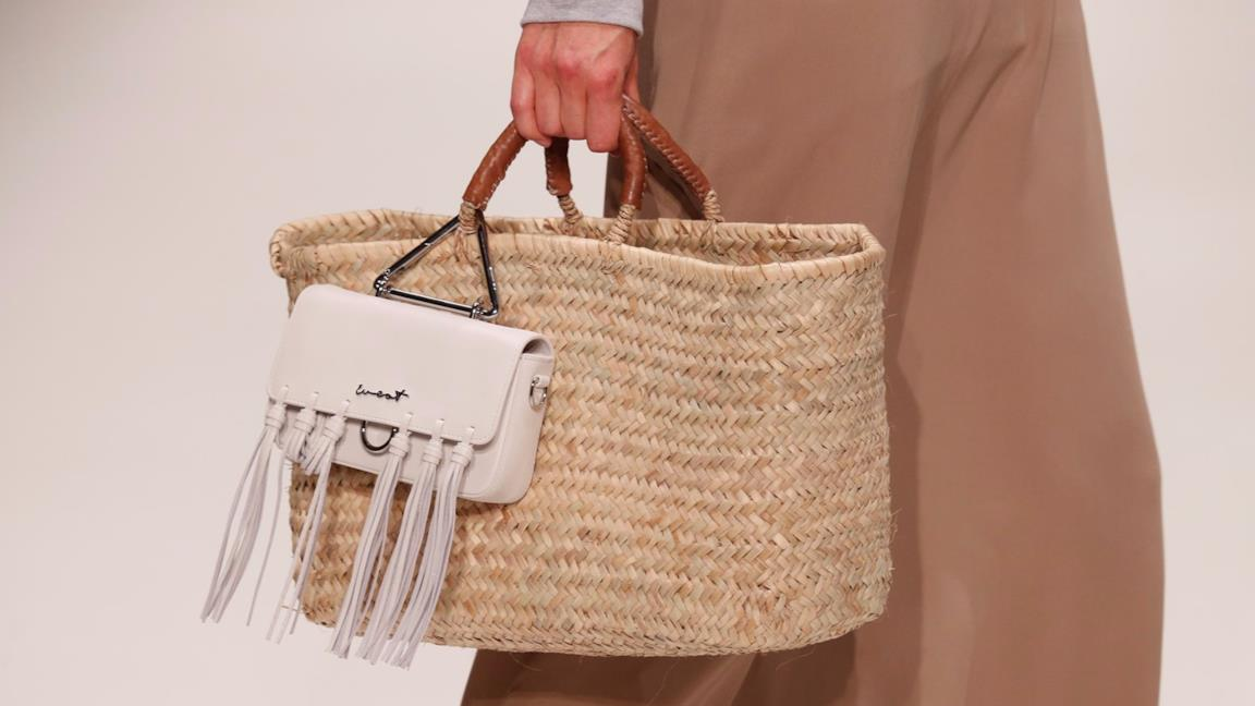 d5166eb868 Tendenze moda: le borse con materiali naturali per l'autunno 2018