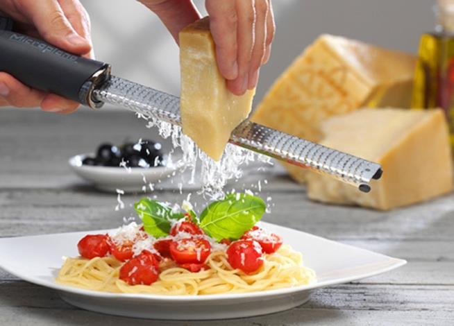 Coltello usato per grattugiare il formaggio