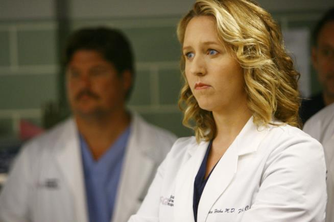 Erica Hahn in una scena di Grey's Anatomy