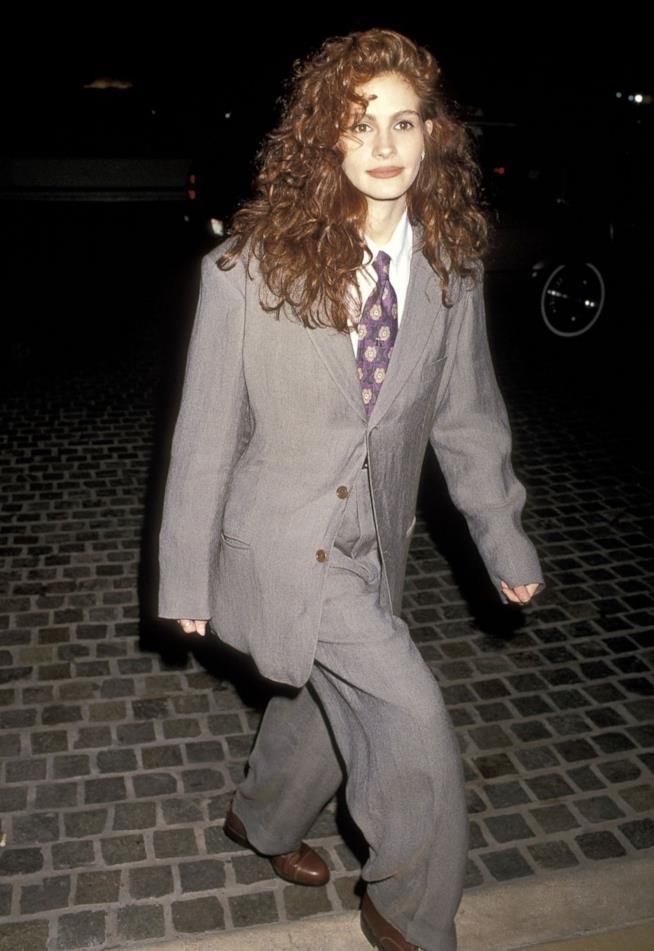 Julia Roberts in completo da uomo ai Golden Globe 1990