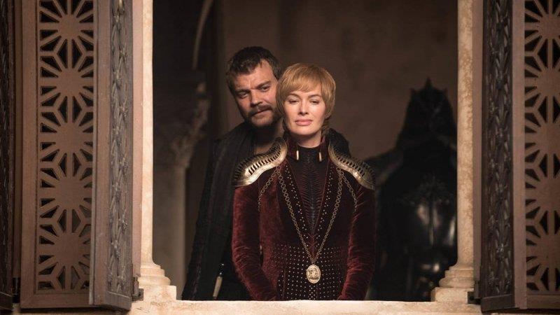 Greyjoy e Cersei in Game of Thrones 8x04