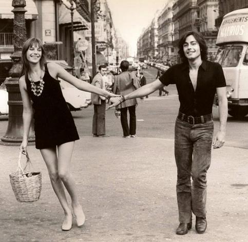 Jane Birkin e Alain Delon con la borsa di paglia