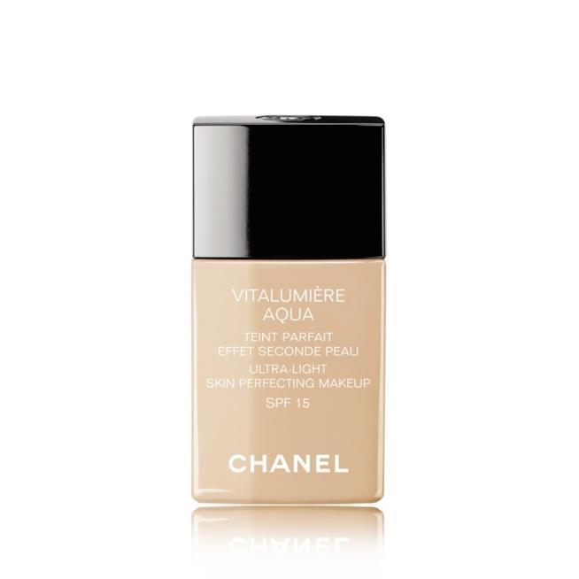 Fondotinta Vitalumière Aquadi Chanel per pelli secche